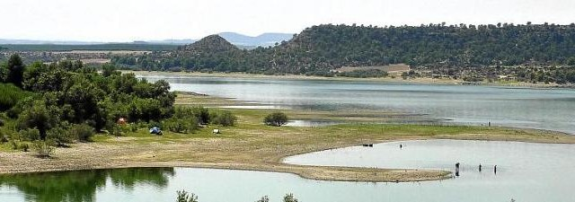 EMBALSE DE MEQUINENZA1 640x225 EMBALSE DE MEQUINENZA MAR DE ARAGON